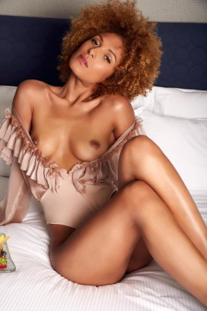 Liviana escort croate Jura, 39